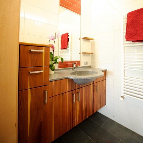Badezimmer Zwetschke