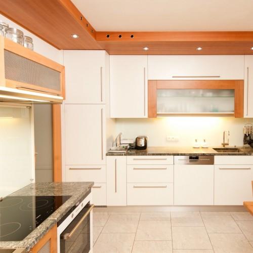 Küche Birne und Dekor weiß